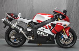 yamaha-r7
