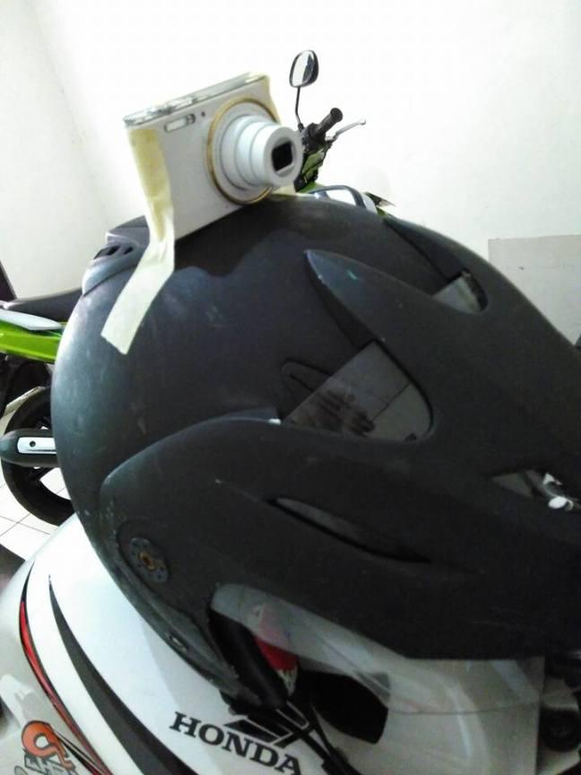 kamera di helm