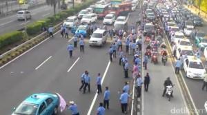 demo sopir taksi