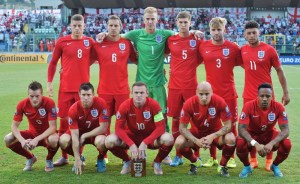 (Up LtoR) England's midfielder Ross Barkley, England's defender Phil Jagielka, England's goalkeeper Joe Hart , England's defender John Stones, England's defender Luke Shaw and England's forward Alex Oxlade Chamberlain, (bottom LtoR) England's forward Lamie Vardy, England's midfielder James Milner, England's forward Wayne Rooney, England's midfielder Jonjo Shelvey and England's defender Nathaniel Clyne pose for the team photo prior to the EURO2016 qualifying soccer match San Marino vs England at the San Marino stadium in Serravalle on September 5, 2015.  AFP PHOTO / VINCENZO PINTO