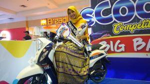 Brenda Qaulani Tsaqila, siswi SMA Negeri 1 Gambut Kabupaten Banjar dinobatkan sebagai All New Fino Tubeless dan Ban Lebar Ambassador wilayah Kalselteng